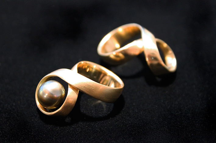 Pearl-and-gold-handmade-ring