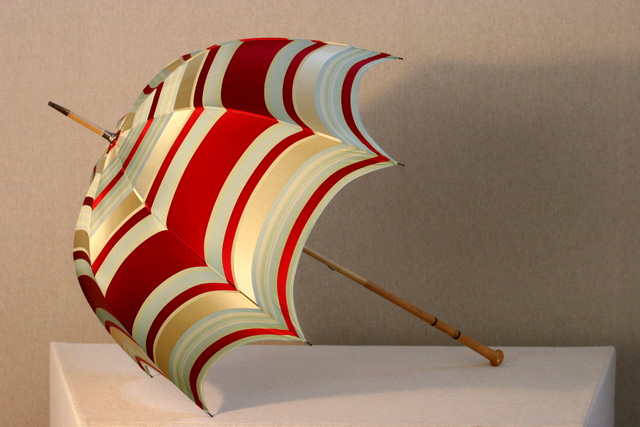 Red-stripe-silk-umbrella