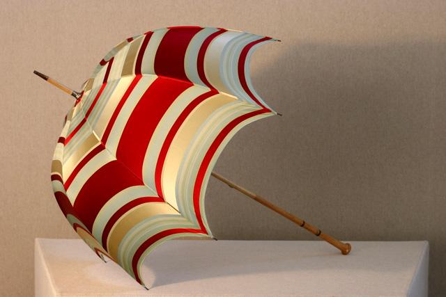 Red-stripe-silk-umbrella